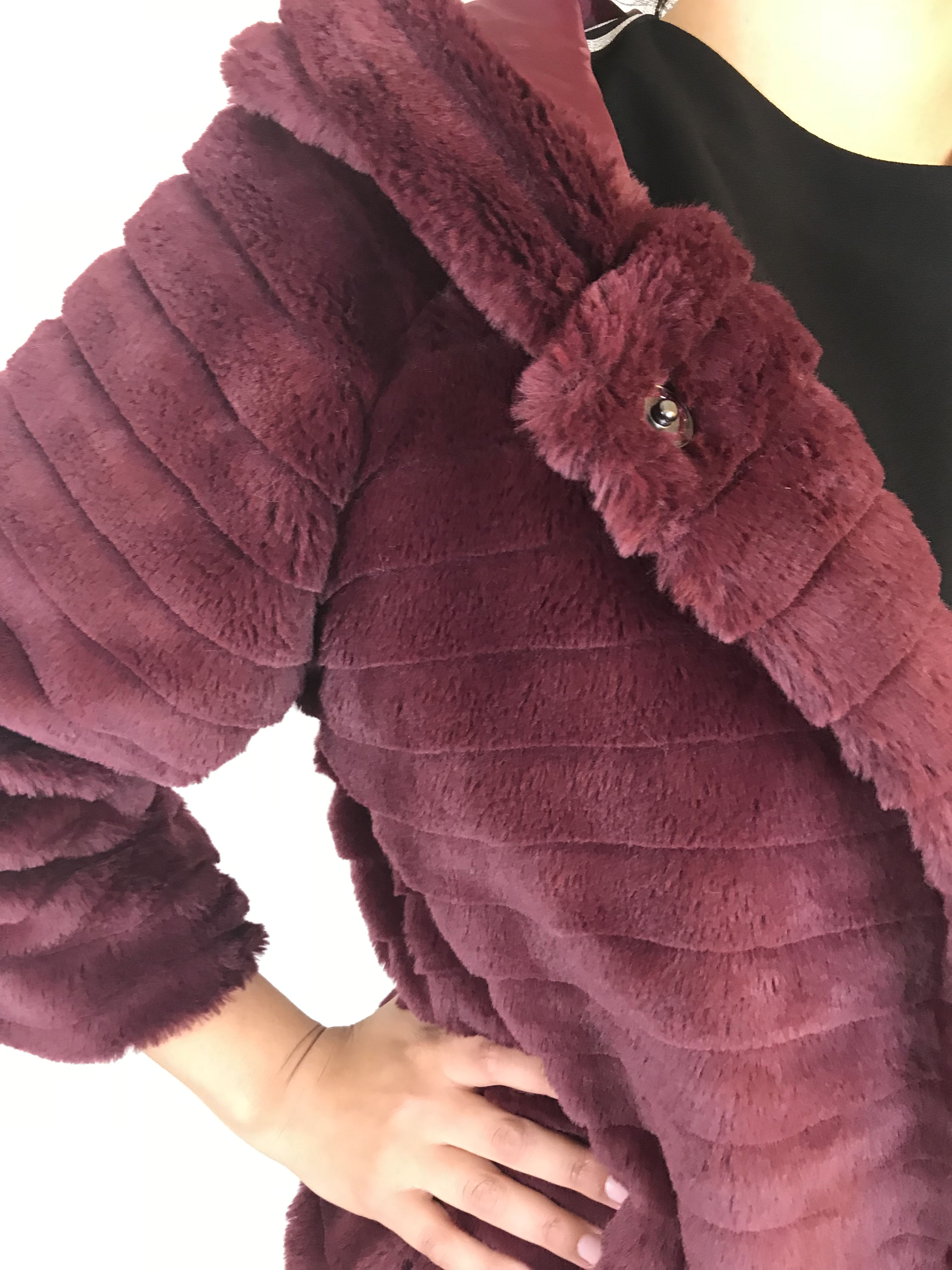 Jakke fake fur Bordeaux Oxxyzen